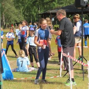 Weronika udziela wywiadu po ukończonym biegu